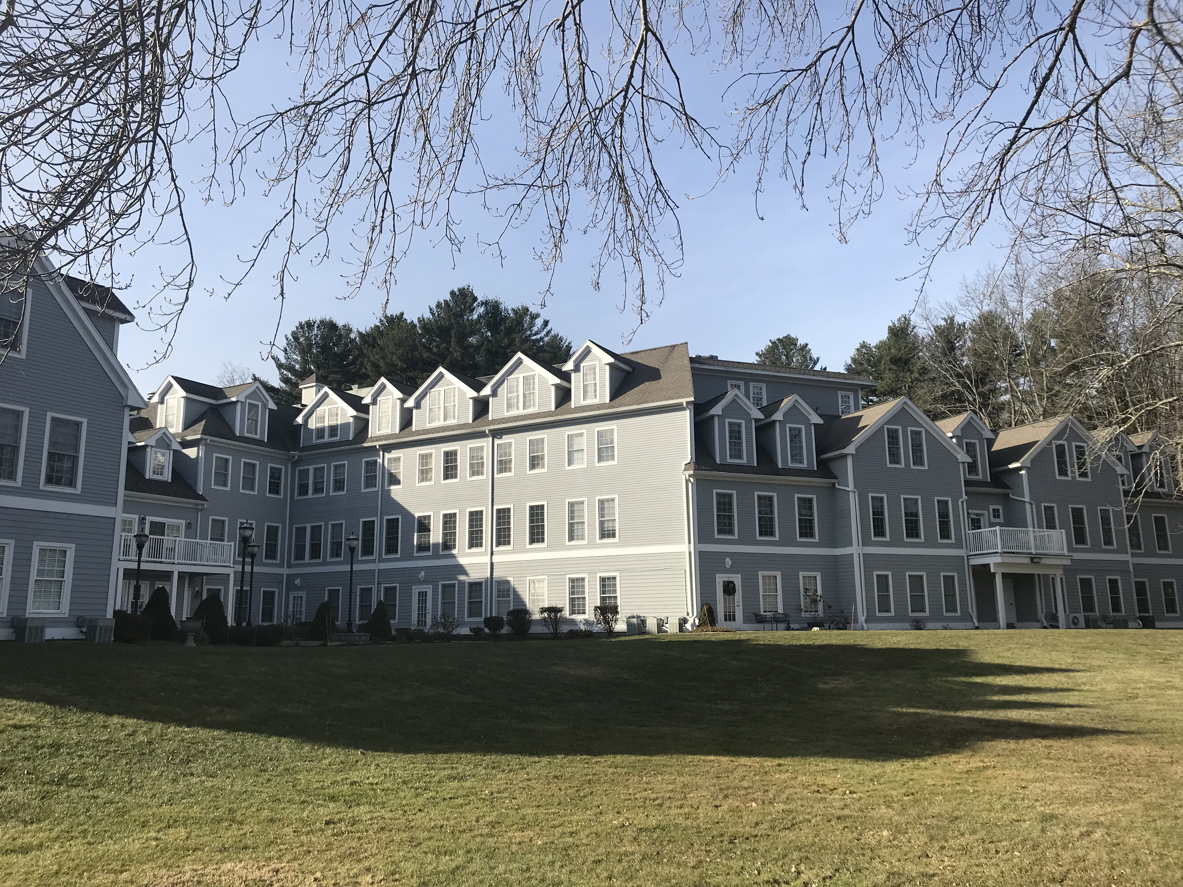 Jacobs Pond Estate Norwell MA offers convenience in condominium living
